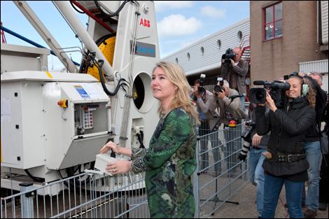 Eerste walstroom voor zeevaart in Nederland