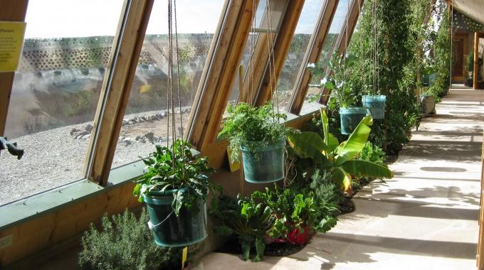 Milieucentrum wil naar 'earthship' in Kralingen