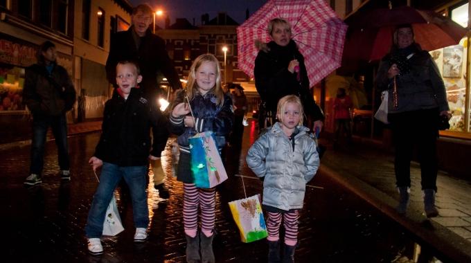 Klimaatstraatfeest start met ledlampionoptocht