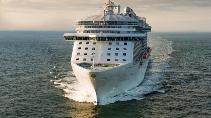 Cruiseschepen zijn bron van luchtvervuiling en Co2 uitstoot