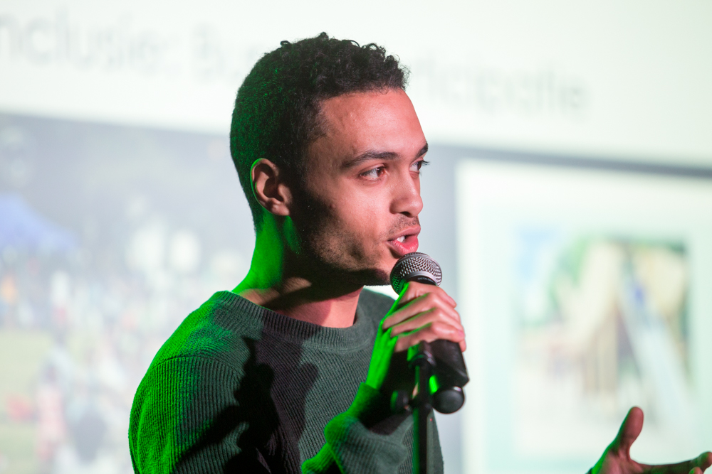 Nathan Davids wint groenpitchprijs met afval – recycling blockchain