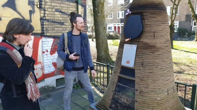 Passen wormenhotels in het straatbeeld?